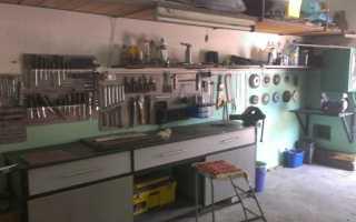Самодельный верстачок или стол для мелких работ в гараж