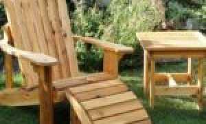Самодельная садовая скамья на двоих со столиком в стиле Адирондак