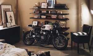 Крутой байкерский гараж