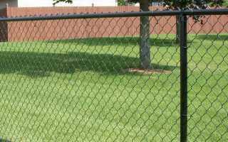 Как самому установить забор из сетки рабицы