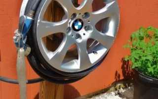 Самодельный столик из литого автомобильного диска в подарок автолюбителю