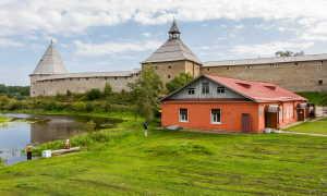Расписной дом в Старой Ладоге (фото)